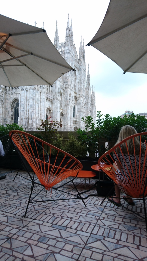 Bar overseeing the Duomo - such a stunning view